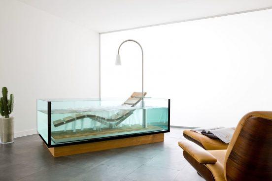 Ванна-джакузи из стекла