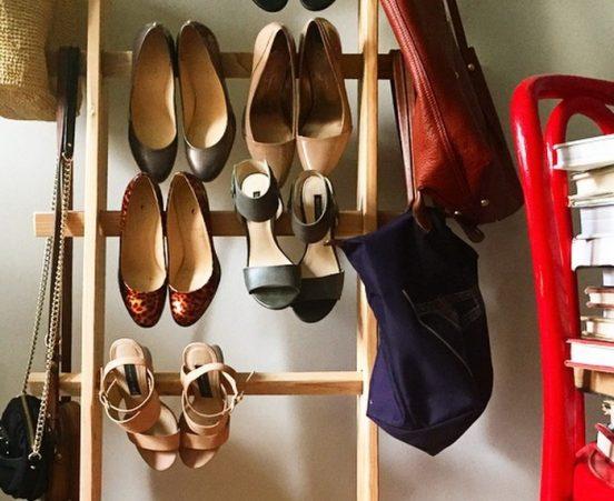 Лестница-стремянка, приспособленная для хранения обуви