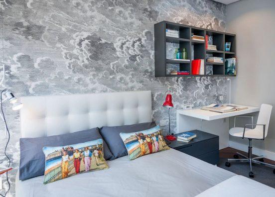Спальня и место для учёбы: два в одном