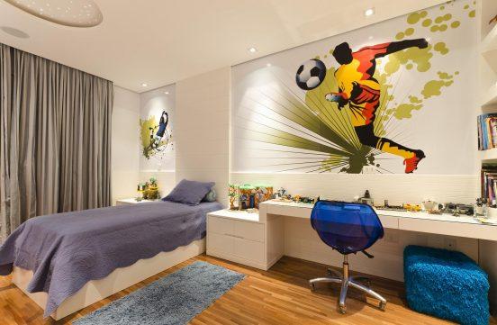 Спортивная тематика в комнате