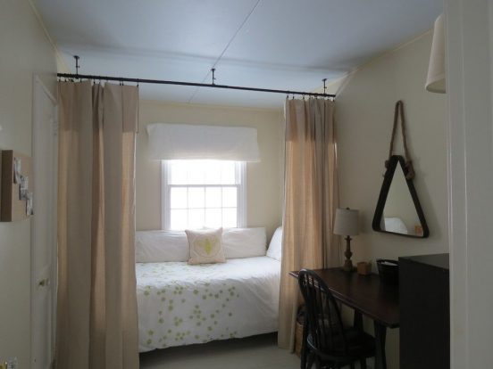 Лёгкая штора в спальне