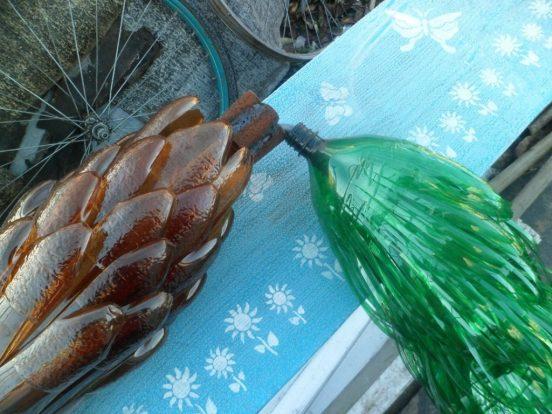 Пластиковые бутылки для создания пальмы