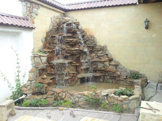 Каменный водопад в китайском стиле