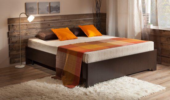 Кровать с интересной спинкой