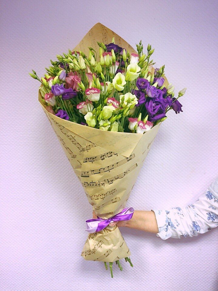 Открытки и упаковка цветов, платье