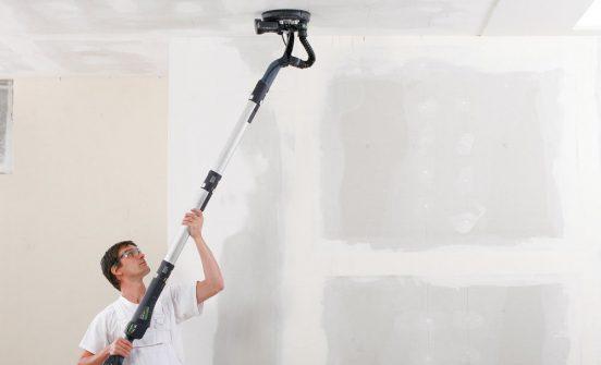 Удаление краски с потолка электроинструментом