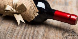 Как красиво упаковать вино в подарок: 15 оригинальных идей