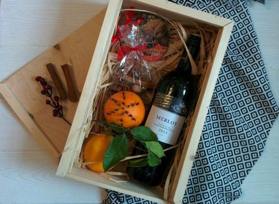 Подарочный набор с бутылкой вина