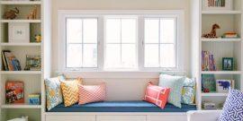 Цветной подоконник в интерьере: интересные и небанальные варианты на фото