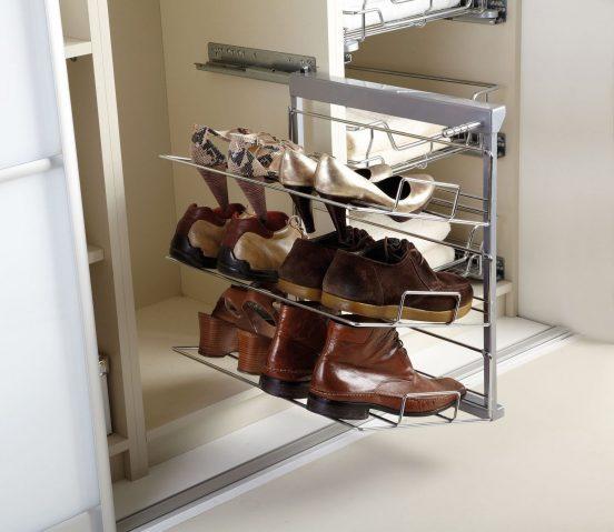 Хранение кожаной обуви