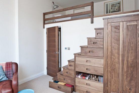 шкаф в виде лестницы