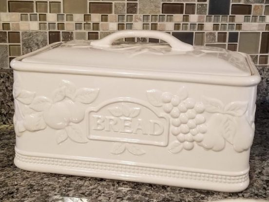 керамическая хлебница