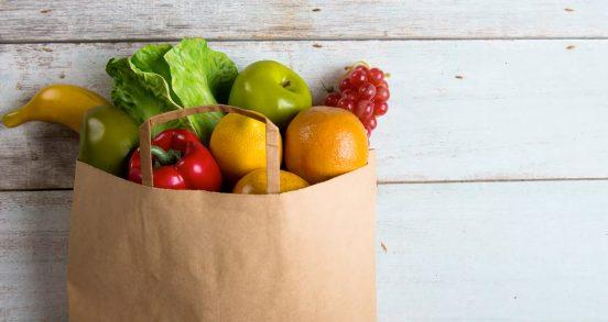 Пакет с фруктами и овощами