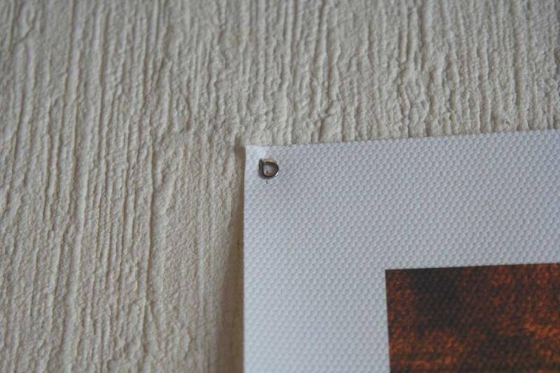 8 надежных способов повесить картину на стену, не используя гвоздей и электроинструментов - Интерьер