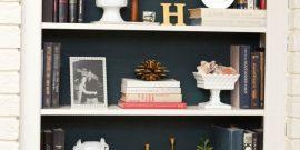 Как сделать из скучных книжных полок уютный уголок