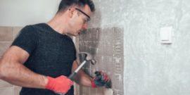 Как снять старую плитку со стен и пола: практические советы