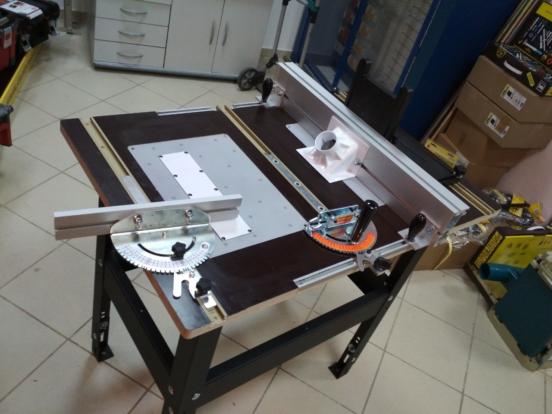 Фрезерно-распиловочный стол