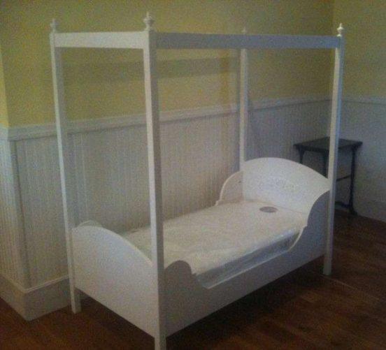 Кровать с навесом своими руками