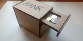 Копилка своими руками — как сделать из бумаги, картона и подручных материалов, фото идей