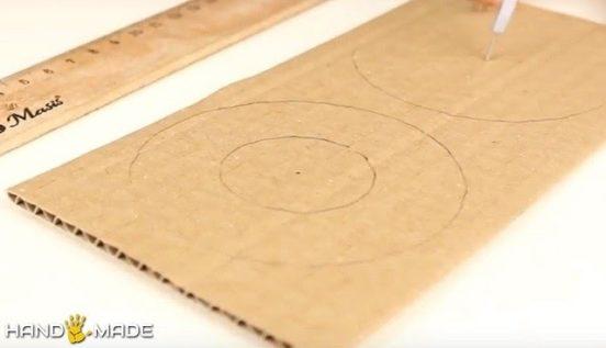 На картоне рисуем кольца