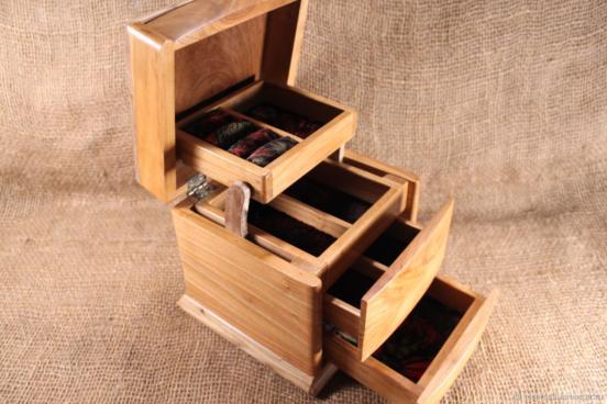 Многоярусная функциональная коробочка